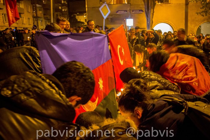 quema-bandera-turca-azeri